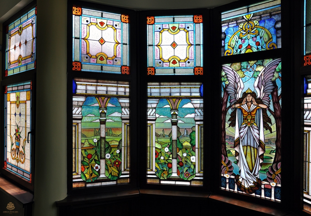 Luxury art nouveau stained glass