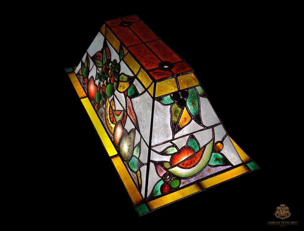 Tiffany lamp with fruits